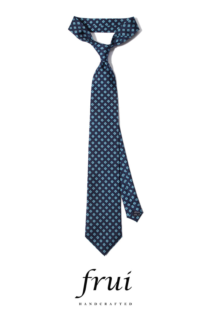Frui square tie/blue[hand crafted-well made-silk100%]